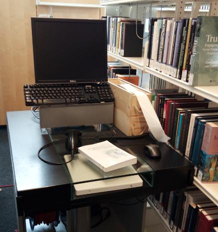 Mobile Station zur Ausstattung der Bücher mit einem RFID-Etikett